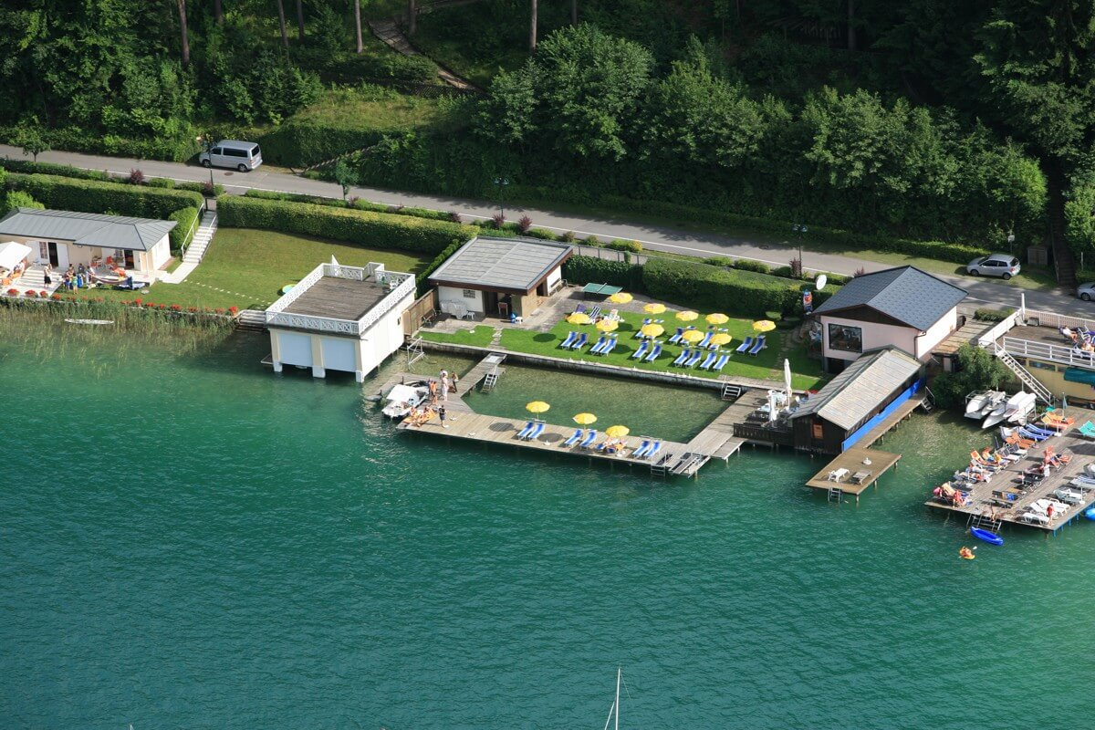 Hotel swimming beach Schönblick with lake access at Lake Wörthersee