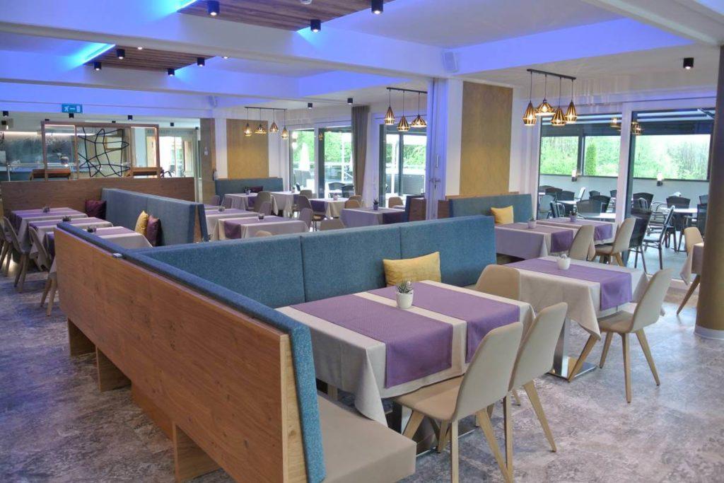 Dining area Hotel Schoenblick interior Velden