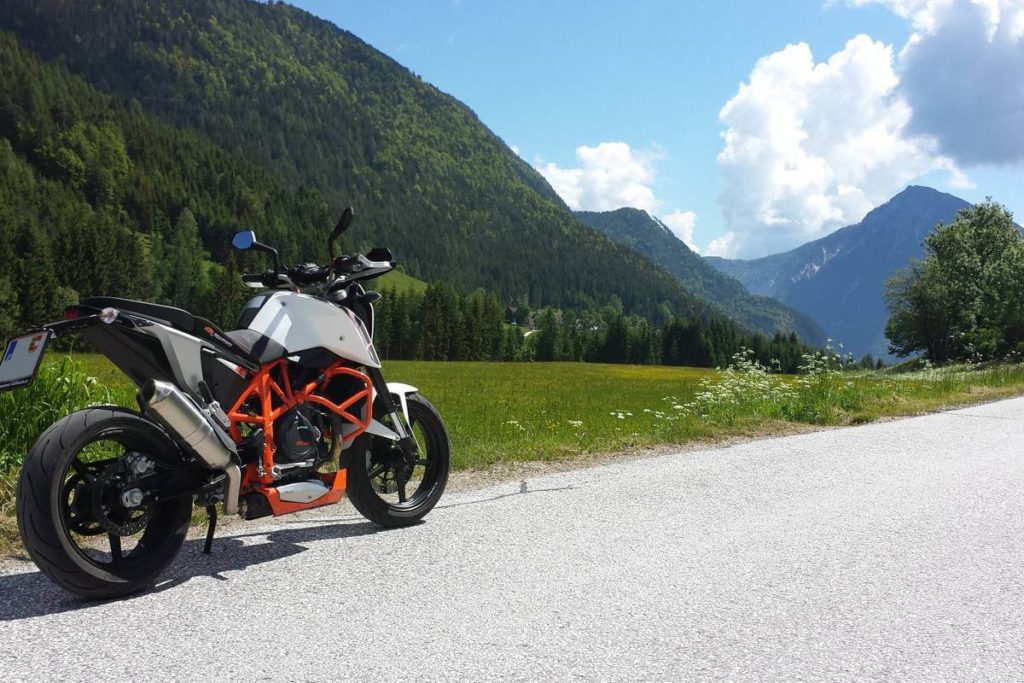 Motorbike excursion to the Loibl Pass - tour with guests