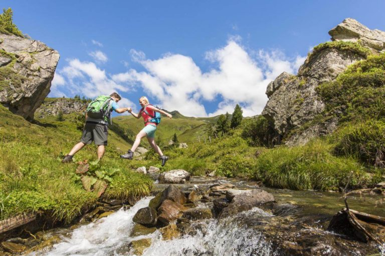 Hiking from Lake Wörthersee to the mountains - Photo Gerdl