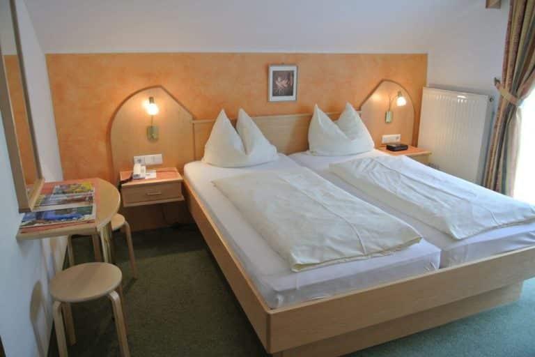 Doppelzimmer Mini Auszeit Sparzimmer Hotel Schoenblick